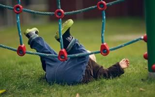 К чему снится падение ребенка с высоты сонник