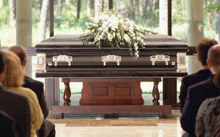 К чему снится гроб с умершим родственником сонник